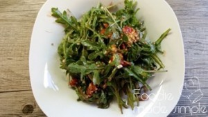 21 Day Fix Arugula, Roasted Wild Cherry Tomatoes and Goat Cheese Salad 05