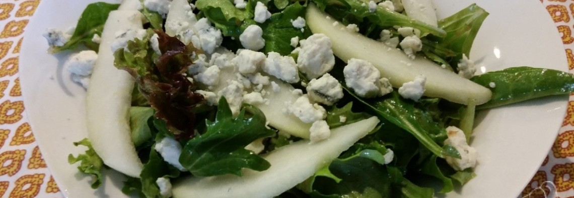 21 Day Fix Spring Mix Salad with Pears and Gorgonzola 21 Day Fix Recipe