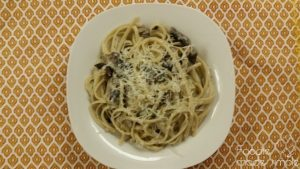 Linguini with Mushrooms, Tarragon, and Goat Cheese Sauce