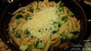 One-Skillet Broccoli Alfredo Pasta